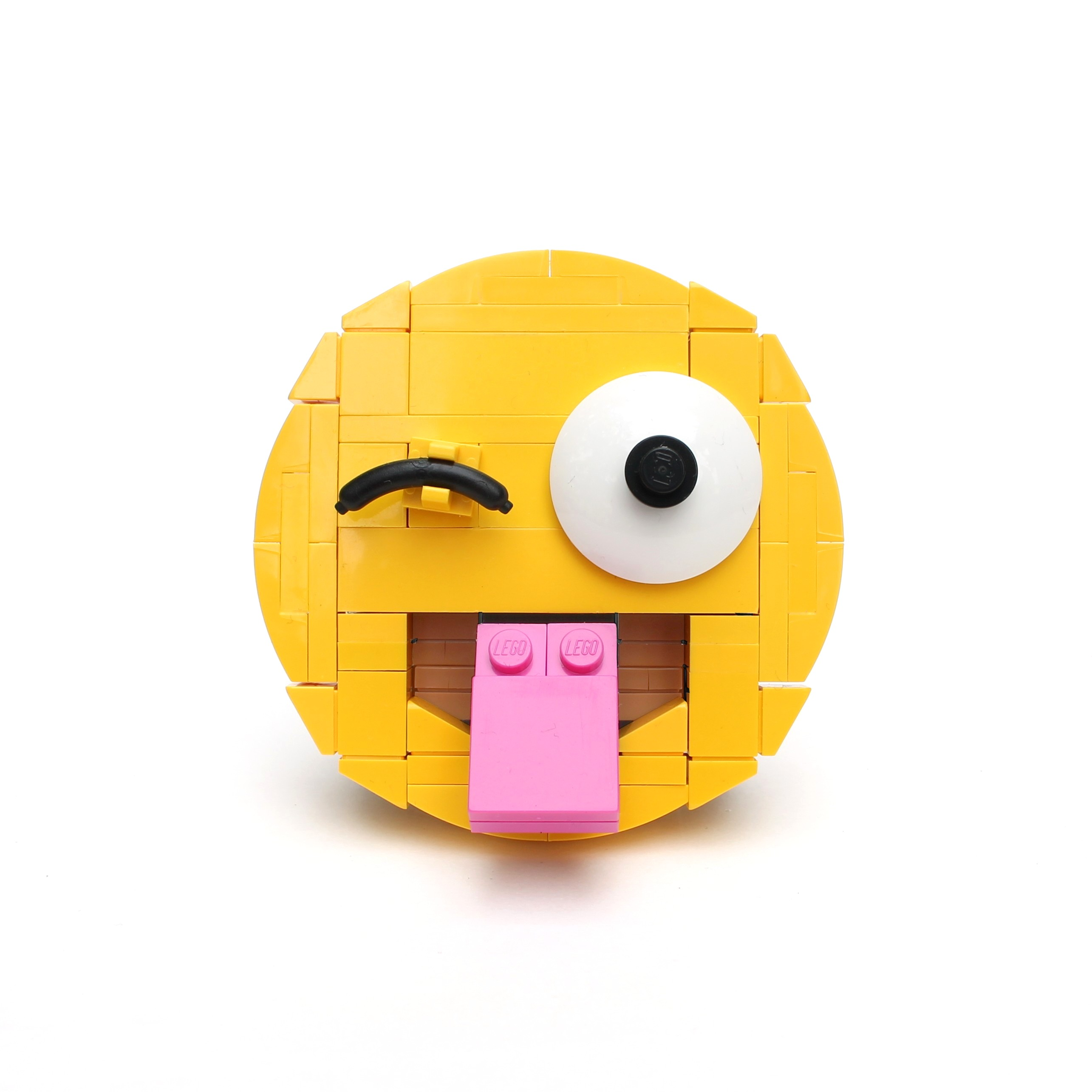 Brick-moji - Face with stuck-out tongue and winking eye