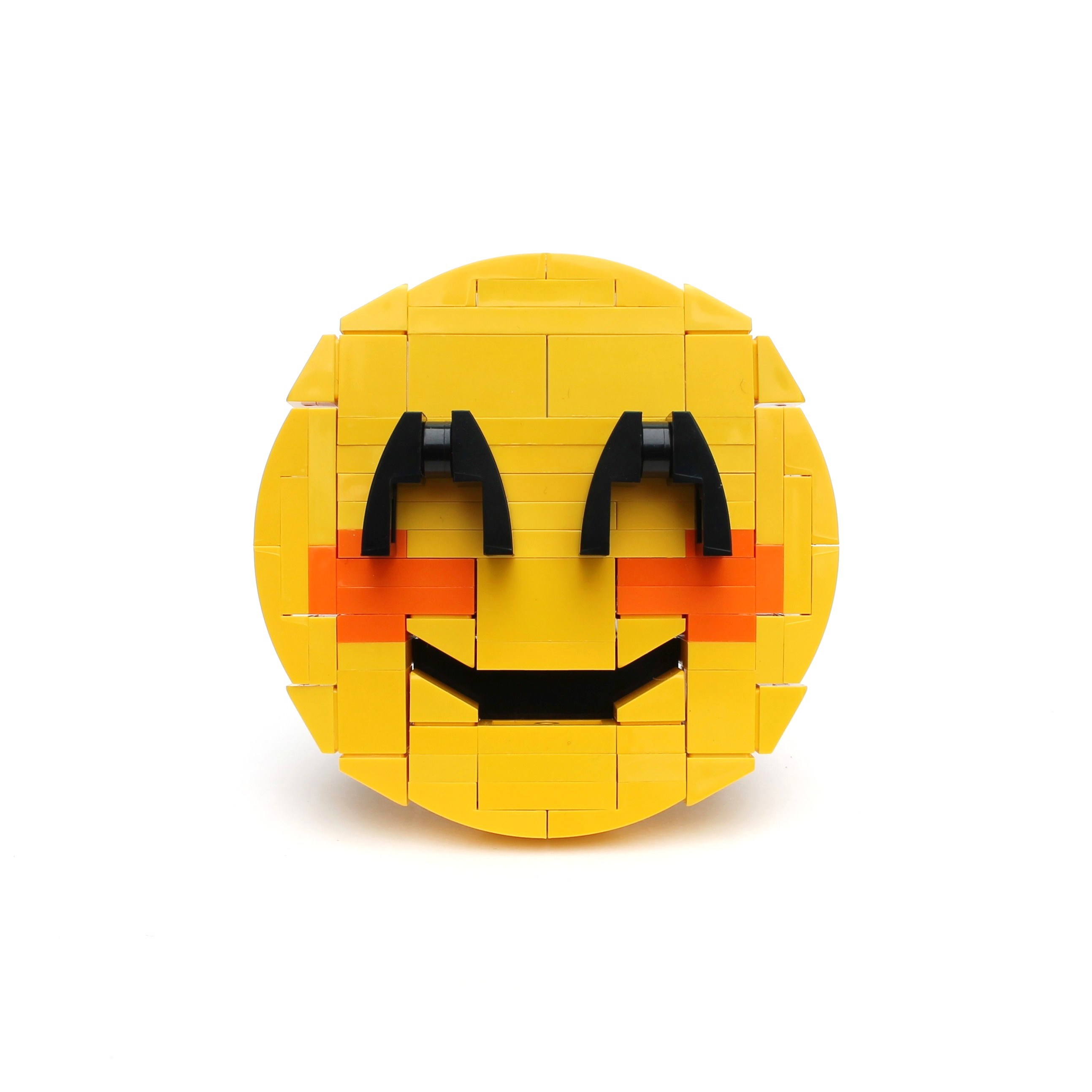 Brick-moji - Smiling face with smiling eyes