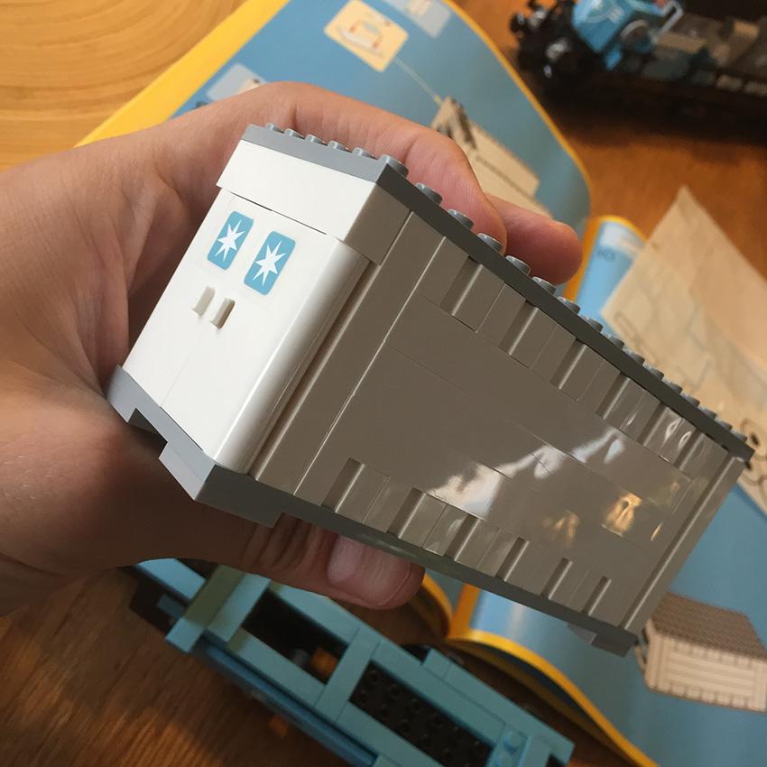 LEGO Maersk Trein container1