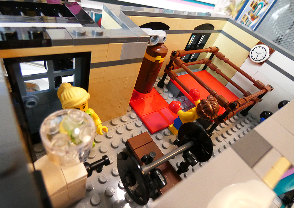 Review LEGO Downtown diner